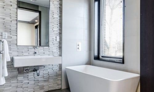 How To Keep An All-White Bathroom Clean